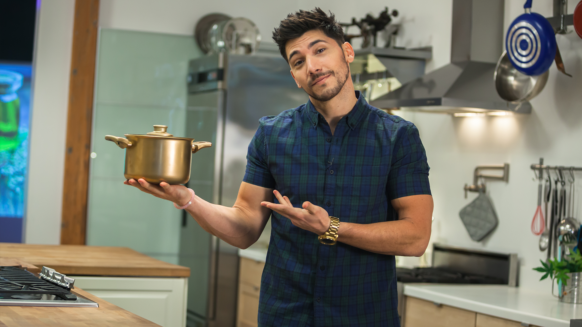 Host YouTube Celebrity Josh Leyva, Golden Pot, Cannabis, Weed, Cooking Competition, Cooking On High, Stage 13 Original, stage13network
